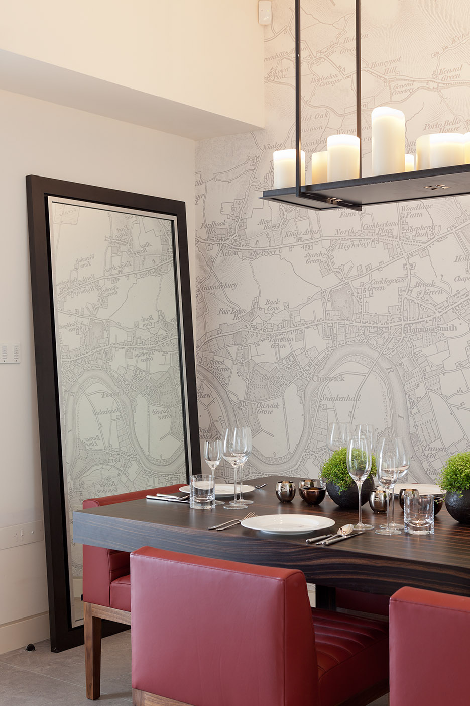 Elegant location map wallpaper for the home