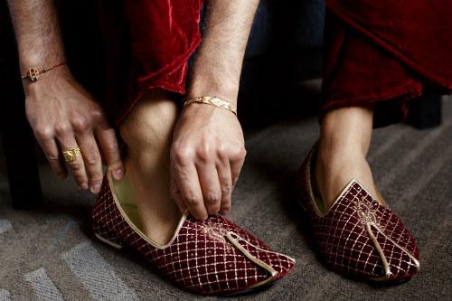 wedding-stationery-shoes-500