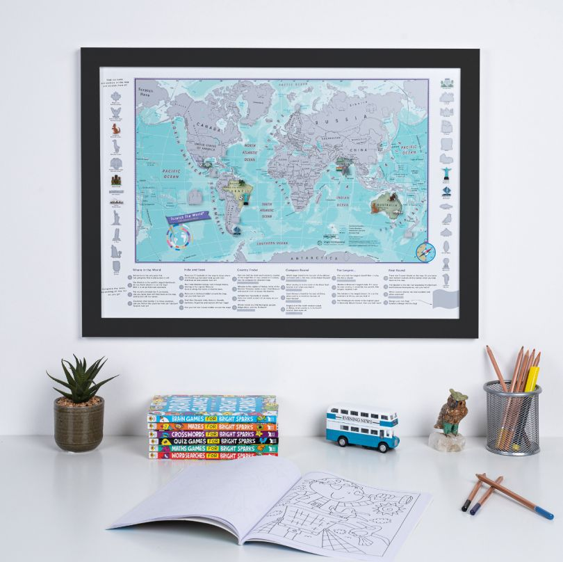 Scratch the World® activity adventure map print (Pinboard & wood frame - Black)