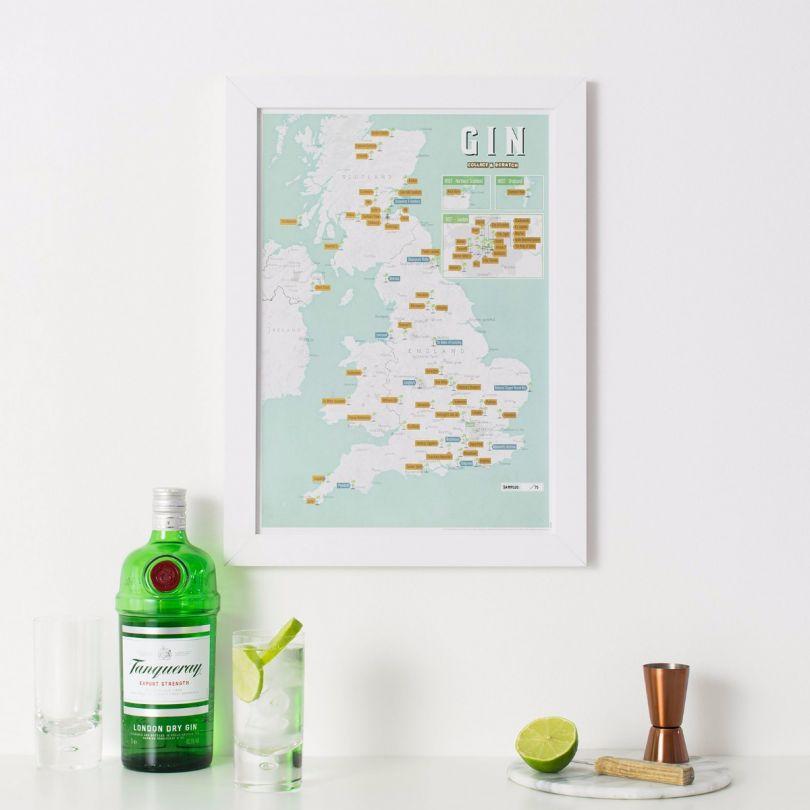 Scratch Off UK Gin Distilleries Print (Pinboard & wood frame - White)